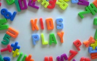 kids-play-1524342-639x482